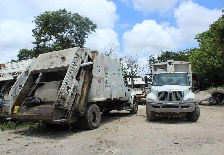 Los acumulamientos de desechos se ven incluso en comunidades como la delegación de Akumal. (Sara Cauich/SIPSE)