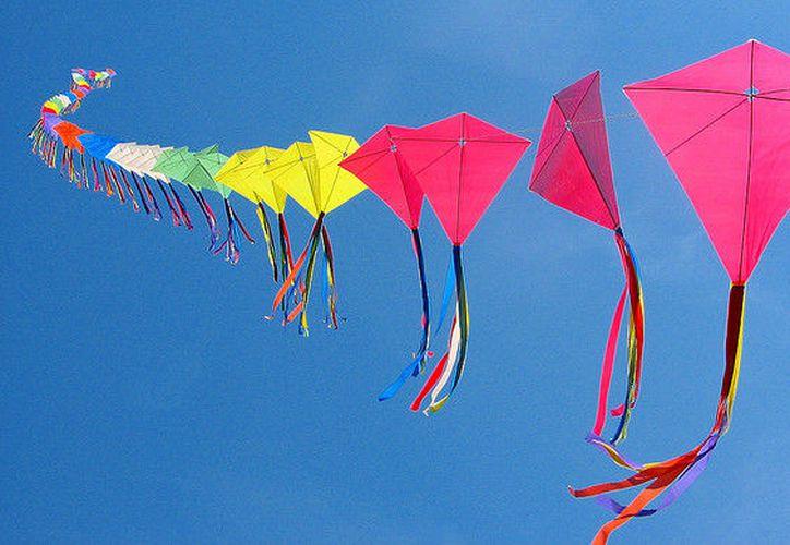 Se espera llenar de colores y diferentes figuras el cielo.. (Foto: Internet)