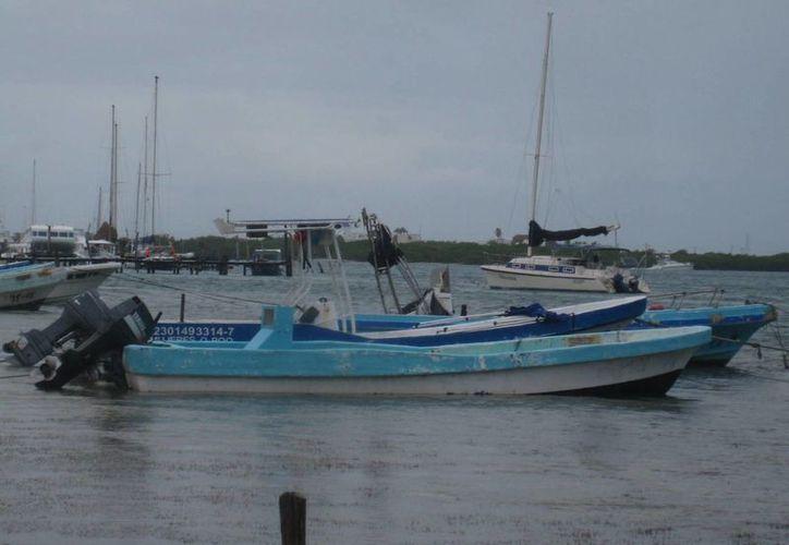 La navegación se permitió en la zona lagunar y el área del Farito. (Lanrry Parra/SIPSE)