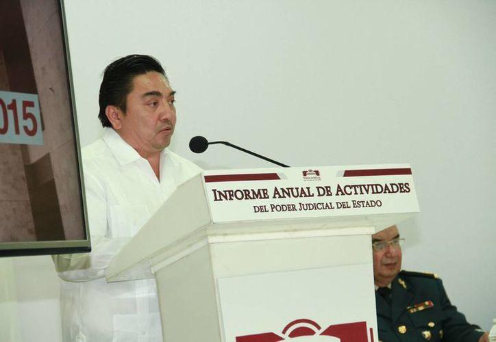 El lugar del Poder Judicial está al lado de la sociedad y sus derechos, no por encima de ella, declaró Marcos Celis, presidente del Tribunal Superior de Justicia de Yucatán. (Jorge Acosta/Milenio Novedades)