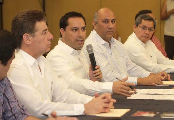 El alcalde de Mérida, Mauricio Vila (segundo desde la izquierda), presidió la instalación del Consejo Munidipal de Desarrollo Urbano. (Fotos: cortesía del Ayuntamiento de Mérida)