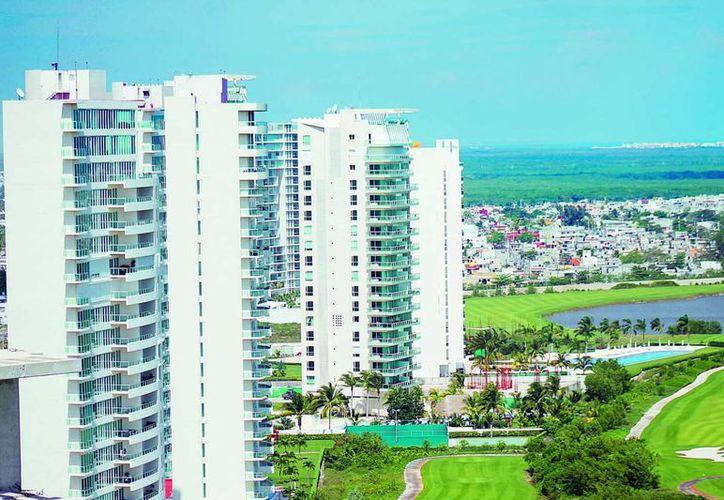 Las construcciones para fines turísticos de Quintana Roo cada vez son más respetuosas del ecosistema. (Redacción/SIPSE)