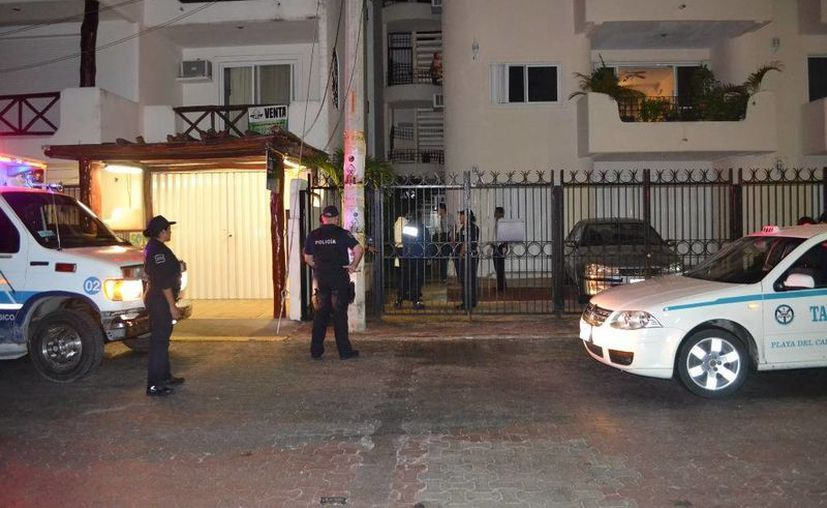 Un turista brasileño perdió la vida al caer del tercer piso de un condominio de la Colonia Centro de Playa del Carmen. (Redacción/SIPSE)