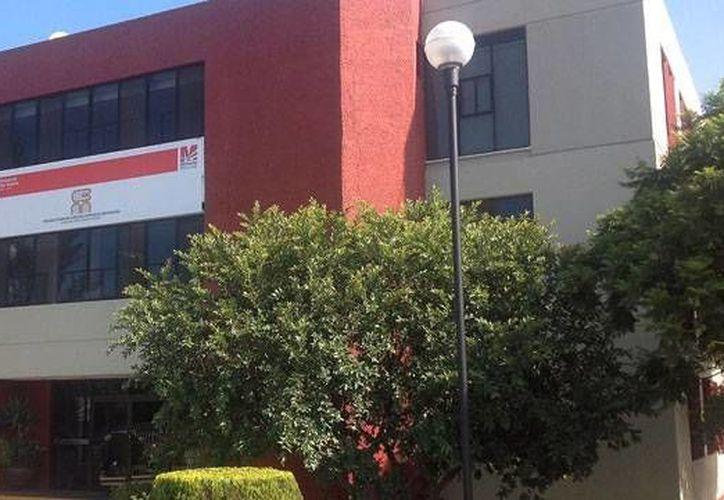 Empleados del Colegio de Bachilleres de Michoacán (foto) aseguran que el director Mario Magaña casi nunca hace su trabajo. (urbanfreak.net/Archivo)