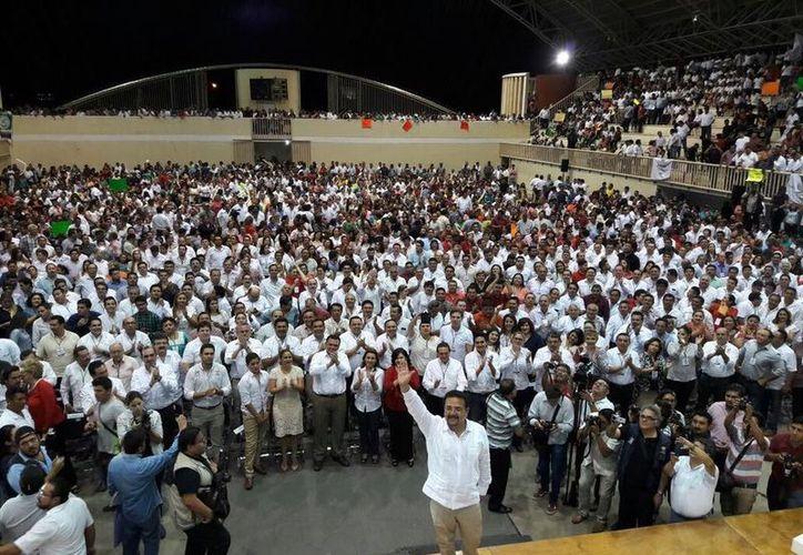 La toma de protesta se realizó en la Inalámbrica. (Facebook/ PRI Yucatán)