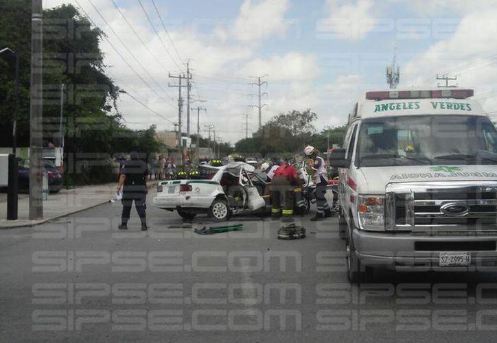 Los hechos ocurrieron en las inmediaciones de la avenida Centenario, a la altura de la Región 227 de Cancún. (Eric Cauich/ SIPSE)
