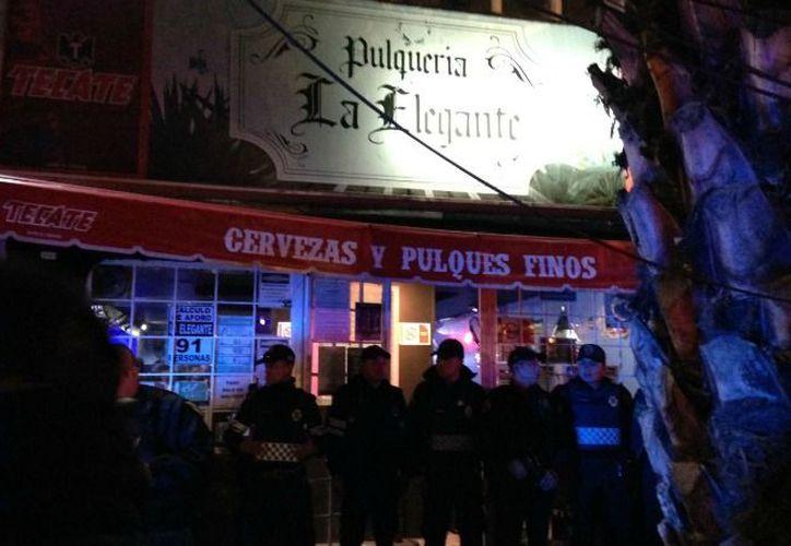 Varios clientes y trabajadores fueron presentados ante al agente del Ministerio Público como testigos de este caso. (Hoy Estado de México)