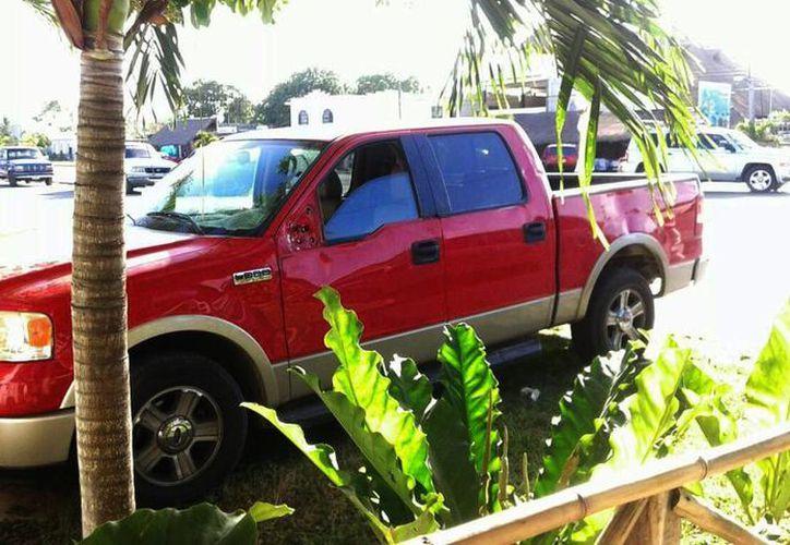 Intentó llevarse el vehículo sin causa legal. (Claudia Martín/ SIPSE)