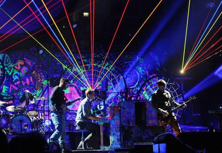 Coldplay se presentará en el Glastonbury 2016 el próximo 26 de junio en el Pyramid Stage. (Imagen tomada de parlophone.co.uk)