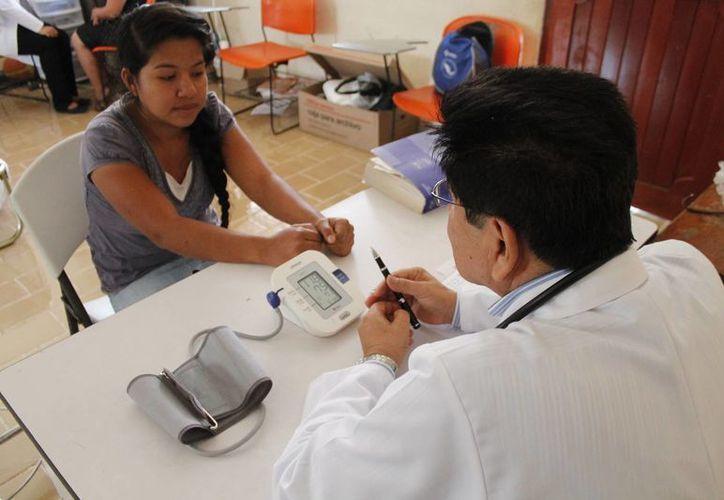 Argumentan que por cobro de impuesto hay pocos médicos en el estado. (Jesús Tijerina/SIPSE)