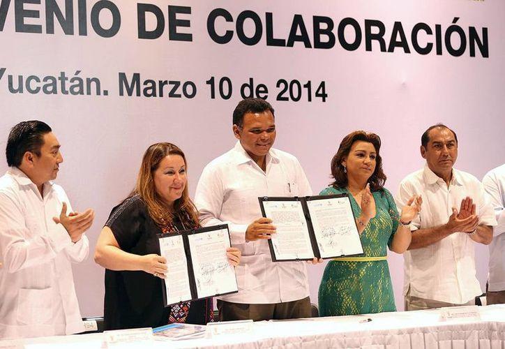 El gobernador de Yucatán, Rolando Zapata Bello, durante uno de los actos que encabezó ayer lunes. (SIPSE)