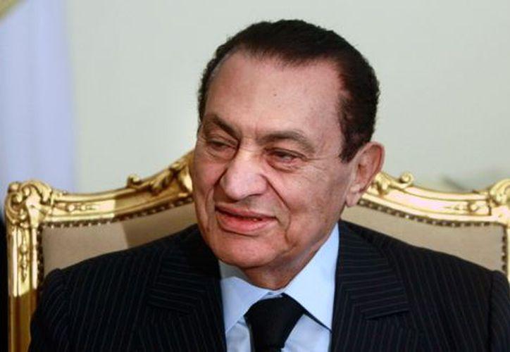 Hosni Mubarak fue condenado a cadena perpetua como responsable de una matanza de 900 manifestantes. (Agencias)