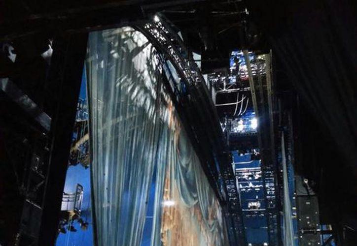 Imagen del escenario del Cirque du Soleil, que se presentará en Mérida y comienza a tomar forma. La primera función será el próximo 25 de junio. (Cecilia Ricárdez/SIPSE)
