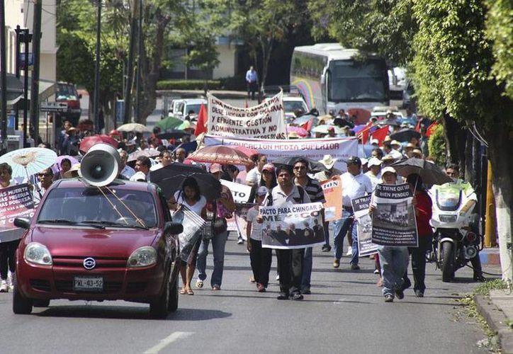 Maestros anuncian plantón en el Congreso de Quintana Roo.  (Archivo/SIPSE)