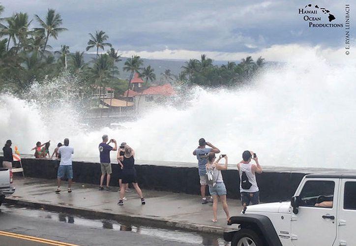 En caso de tocar tierra, se convertiría en el primer huracán importante en hacerlo en Hawái en los últimos 26 años. (RT)