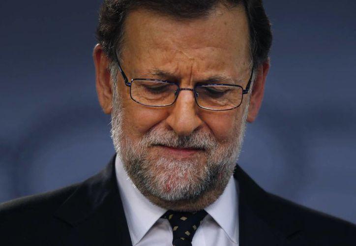El presidente del gobierno de España, Mariano Rajoy, está consciente de que no cuenta con el apoyo suficiente para renovar su mandato. (AP)