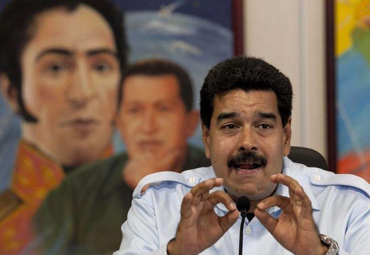 Nicolás Maduro ofrece una conferencia de prensa en el palacio presidencial de Miraflores en Caracas, Venezuela. (Agencias)