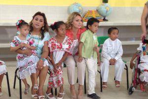 Visita de Angélica Rivera en escuela rural de Progreso