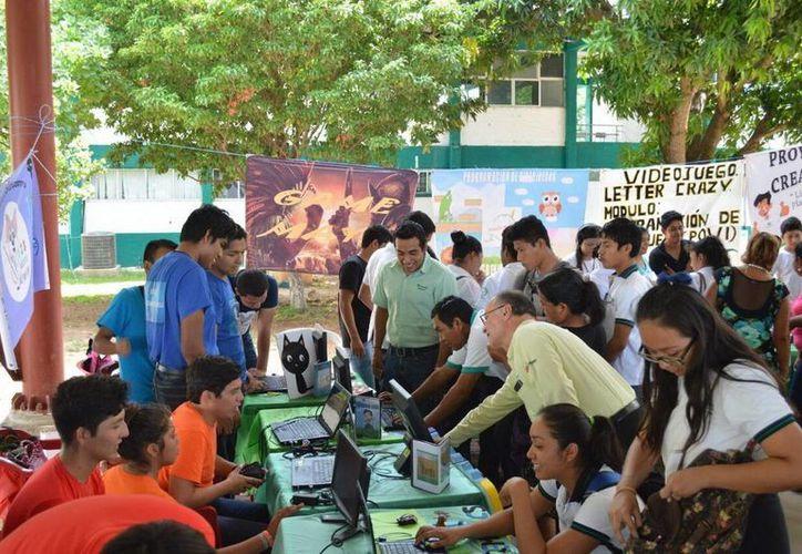 El colegio de educación profesional técnica organiza 'Proyectando Creatividad'. (Redacción/SIPSE)