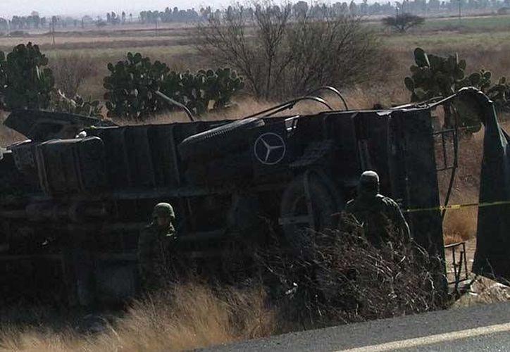 Los soldados del Primer Batallón de la Policía Militar se trasladaban del Edomex rumbo a un campo de entrenamiento en Chihuahua. (Excélsior)
