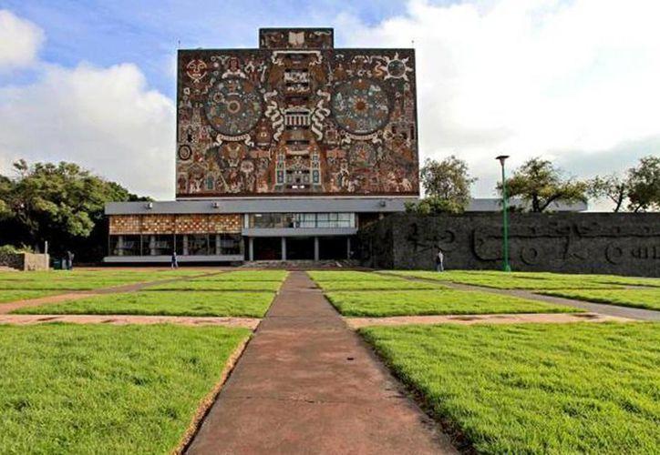 La Universidad Nacional Autónoma de México pasó del lugar 175, que ocupó en 2014, al 160. (Archivo)