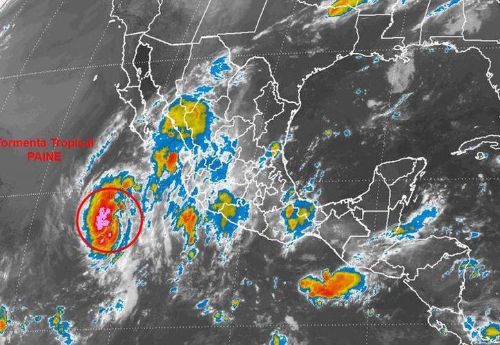 El ciclón tropical se desplaza al noroeste a unos 22 kilómetros por hora. (smn.conagua.gob.mx)