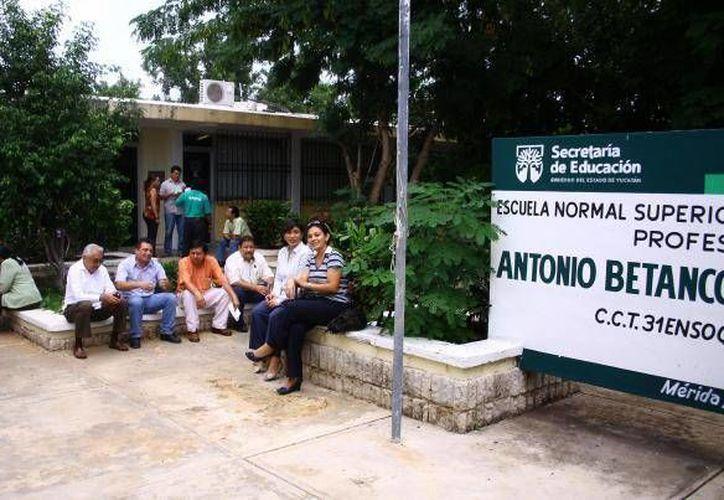 De nuevo surgen inconformidades en la Escuela Normal Superior de Yucatán. (Facebook)