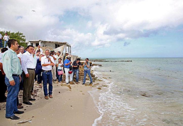 Presentan propuesta de mantenimiento que busca generar un ancho de playa de 30 metros. (Milenio Novedades)