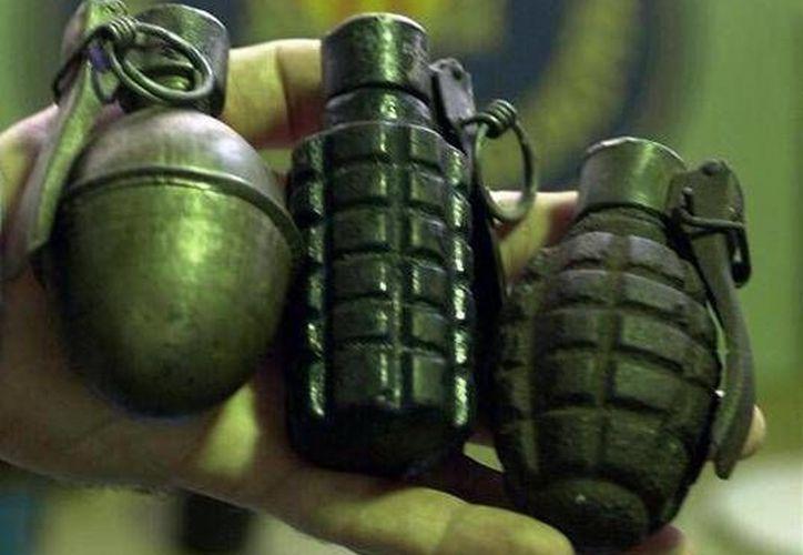 Al parecer una granada de fragmentación similar a la de esta foto fue arrojada contra las instalaciones de Televisa en Matamoros, Tamaulipas. (newsradio.com.co)