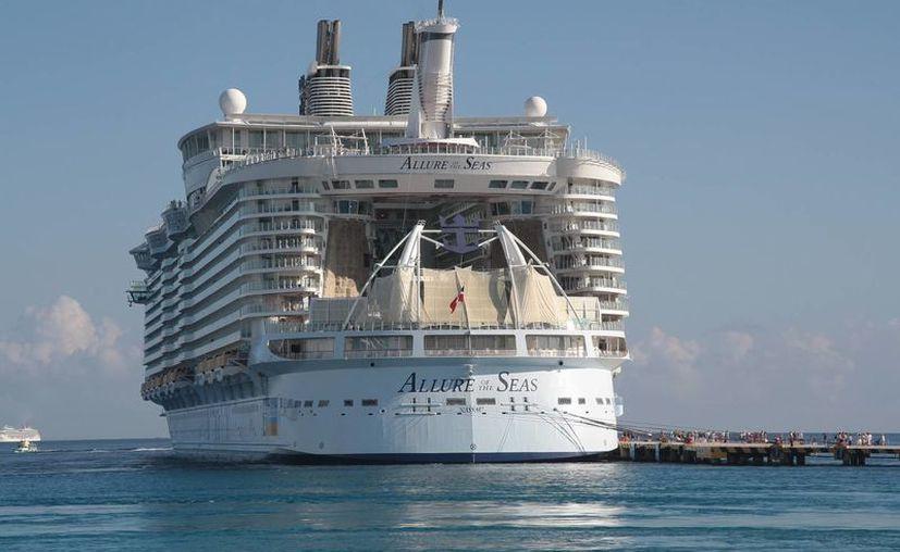 Confirman empresas navieras la programación de arribos de cruceros. (Julián Miranda/SIPSE)