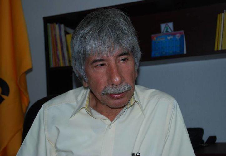 Julio César Lara Martínez, líder del  PRD, dijo que el Trife es claro al decir que es necesario esperar que se solucione la controversia. (Tomás Álvarez/SIPSE)