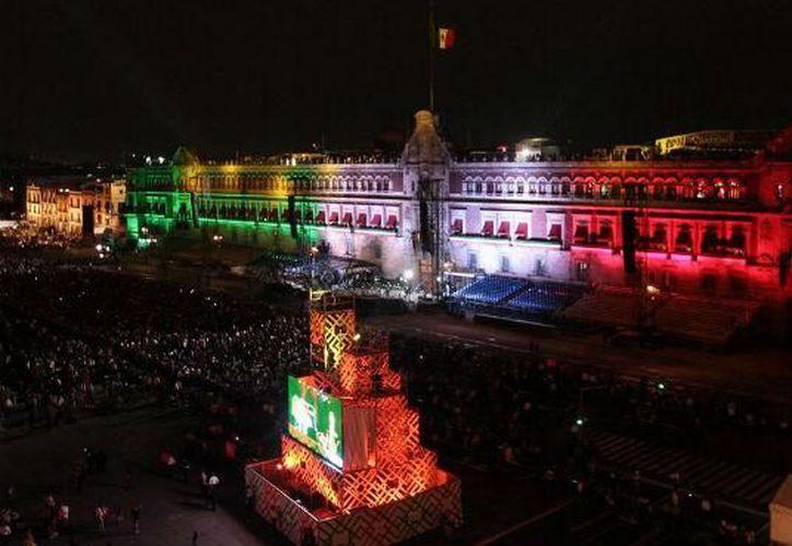 En 1896 se trasladó la campana de Dolores a Palacio Nacional lugar donde el presidente encabeza la celebración. (Unión)