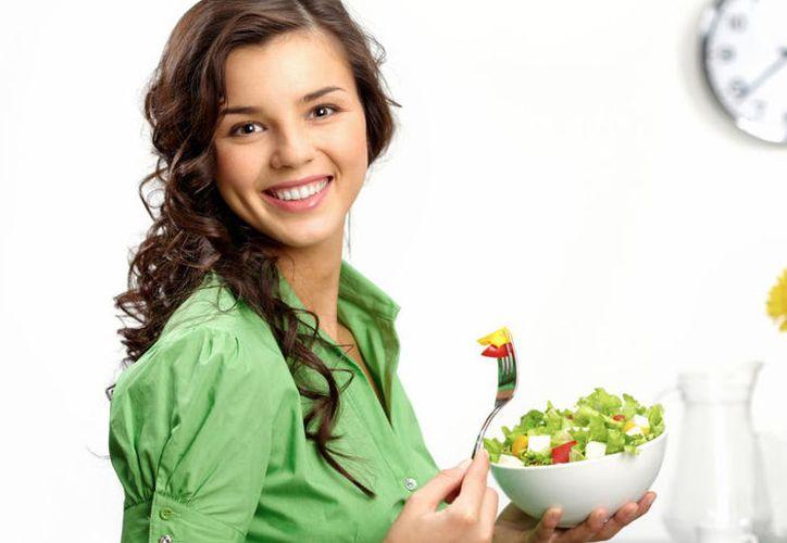 Comer sano te ayudará a alejar ciertas enfermedades. (Foto: Contexto)