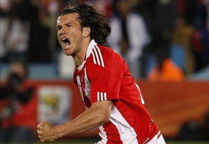 El paraguayo conoce muy bien la Bundesliga, ya que jugó varios años con Werder Bremen y Borussia Dortmund. (Facebook)