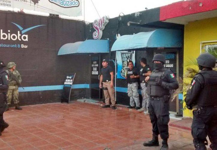 Este viernes se llevó a cabo un gran operativo en bares y restaurantes de Mérida. (SIPSE)