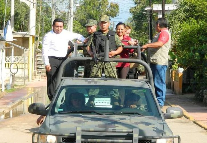 Las autoridades recorrieron las principales calles de la ciudad. (Raúl Balam/SIPSE)
