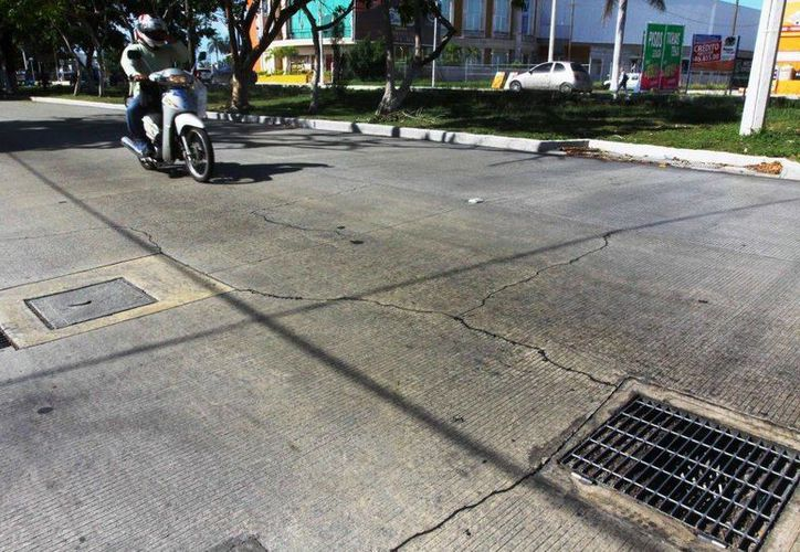 El Ayuntamiento informó que en fechas próximas se harán las reparaciones en el concreto hidráulico de la calle 60 Norte. (SIPSE)