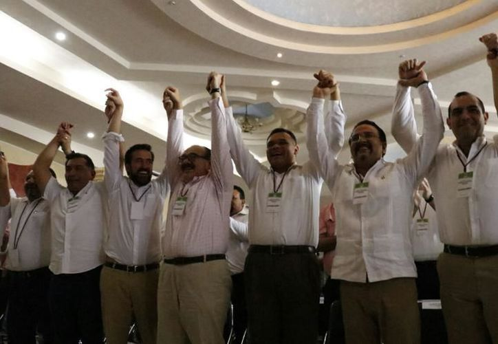 En tanto, hasta este sábado el Comité Ejecutivo Nacional del PRI no había emitido la convocatoria para la selección del precandidato a gobernador de Yucatán. (Milenio Novedades)