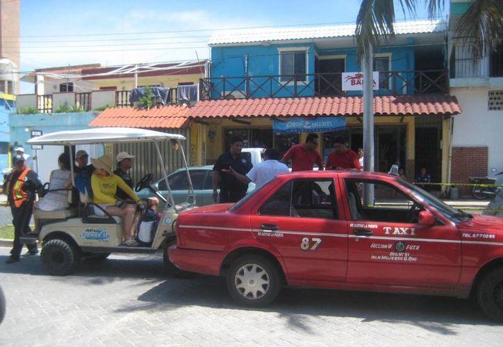 Testigos aseguraron que los turistas no tuvieran la culpa del percance. (Lanrry Parra/SIPSE)