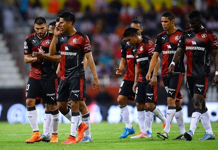 El Atlas lleva una pésima racha de derrotas en el Estadio Jalisco. En 2015 sumó 10 partidos perdidos en fase regular y una más en Liguilla por lo que sus directivos buscan toda clase de métodos para levantar en casa. (Archivo Mexsport)