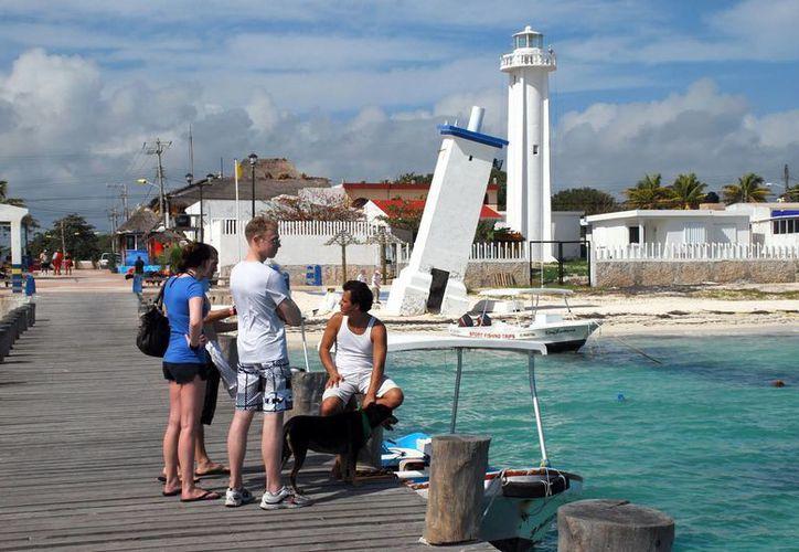 Las autoridades turísticas de Puerto Morelos buscan realizar eventos para impulsar el destino. (Jesús Tijerina/SIPSE)