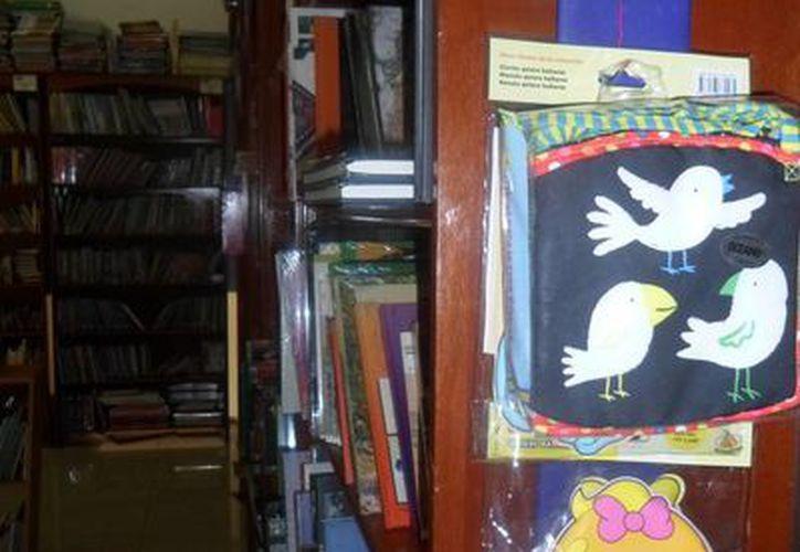 Los padres que compran libros infantiles, y los jóvenes que buscan <i>best sellers</i>, son quienes más acuden a las librerías.  (Yesenia Barradas/SIPSE