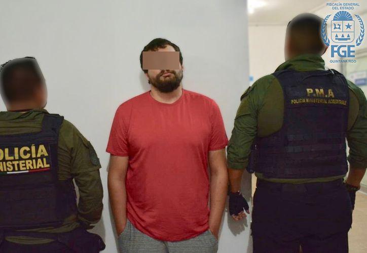 Dylan John Bennett fue visto caminando por bulevar Kukulcán. (Redacción/SIPSE)