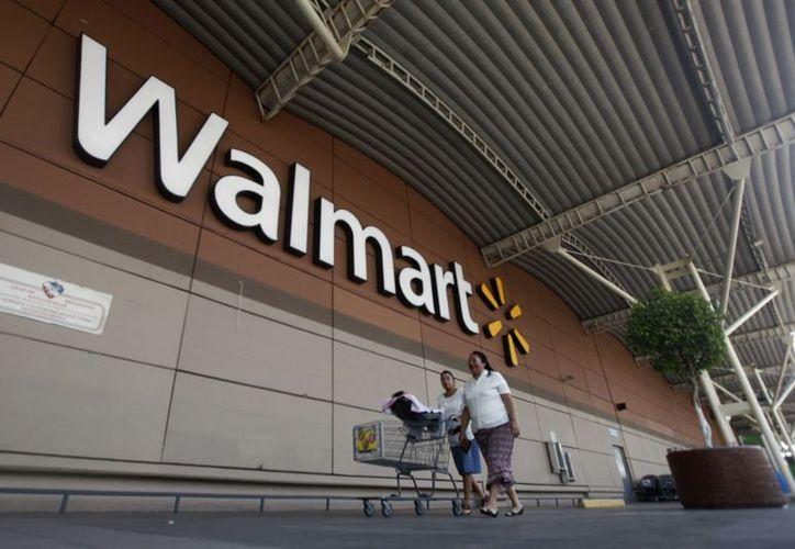 Afirman que Walmart incurre en prácticas corruptas en todo el mundo. (Reuters)