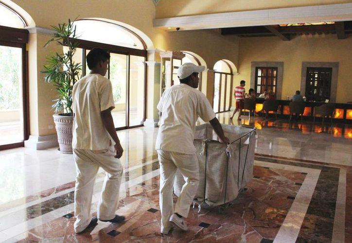 La Asociación de Hoteles de la Riviera Maya indicó que sus socios dan empleo al menos a  90 mil trabajadores.  (Octavio Martínez/SIPSE)