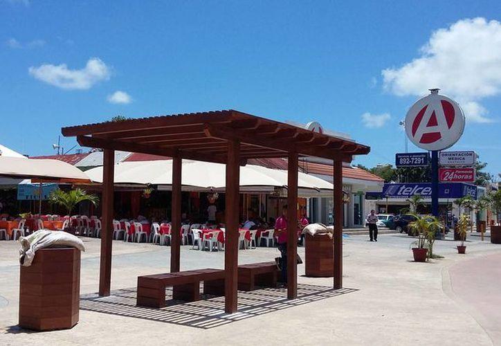 La avenida Tulum se encuentra en fase de reactivación para atraer a locales y turistas. (Claudia Olavarría/SIPSE)