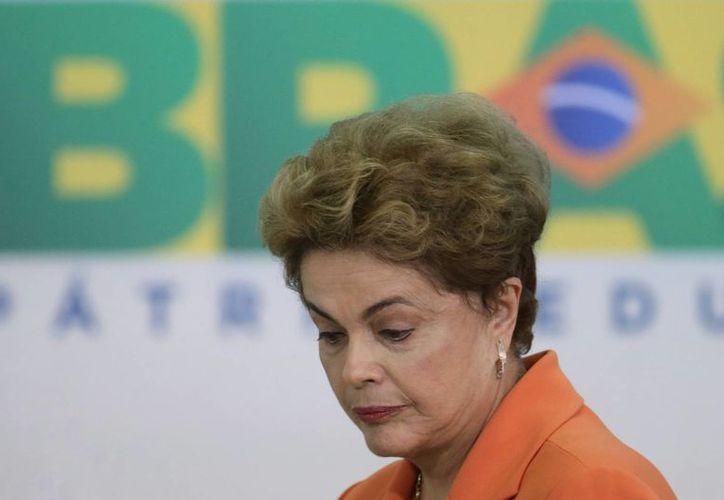 La presidenta de Brasil, Dilma Rousseff, reiteró que no cometió ningún crimen. (Agencias)