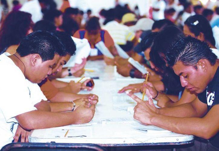 El sistema semiescolarizado le permite a la persona asistir a clases dos horas de lunes a viernes. (Milenio Novedades)