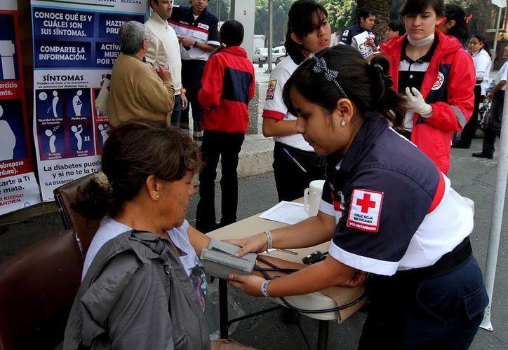 La Cruz Roja Mexicana cuenta con 42 mil voluntarias y voluntarios. (Archivo/Notimex)