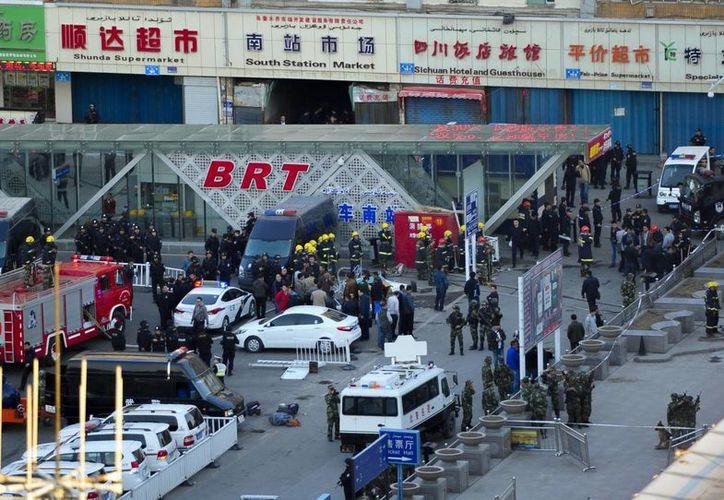 El presidente de China pidió redoblar esfuerzos para combatir a grupos terroristas en la provincia de Xinjiang. (AP)